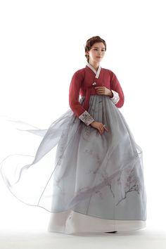 Hanbok, Korean Traditional Dress – About Clothing Trends Korean Traditional Clothes, Traditional Fashion, Traditional Dresses, Korean Dress, Korean Outfits, Oriental Fashion, Asian Fashion, Hanbok Wedding, Modern Hanbok
