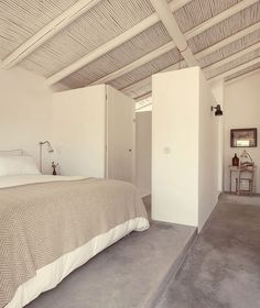 A new, rural hotel called Pensao Agrícola is located in the fertile agricultural zone of the Sotavento (eastern) end of the Algarve just from the. Home Decor Styles, Home Decor Items, Cheap Home Decor, Home Decor Accessories, Tavira Portugal, Algarve, Casa Hotel, Living Room Decor, Bedroom Decor