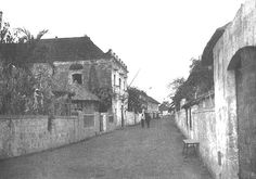 The building on the left was used as a prison during the occupancy of Malolos by the Filipino army. A number of Spanish (and later American) prisoners were confined there. PHOTO was taken in War, Colonial Architecture, Architecture Design, Philippine Architecture, American War, Spanish Colonial, Manila, Prison, Philippines, Cities