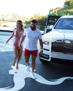i khi bn phi tm ly mt th tt v chy Dan Blizerian, Dan Bilzerian Instagram, Luxury Couple, Sugar Daddy Dating, Best Business Ideas, Instagram King, Become A Millionaire, Luxe Life, 10 Picture