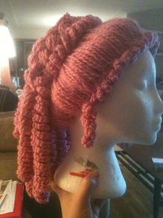 Cassidy needs this in grey for her weeping angel costume!!!!  Yarn wig tutorial - This is cool! Both knit and crochet but could easily be just crochet!
