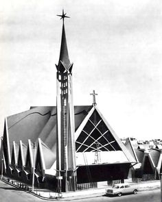 Iglesia de la Medalla de la Virgen Milagrosa, calle Matías Romero 78 esq. Ixcateopan, Vertiz Narvarte, Benito Juárez, Ciudad de México 1955  Arqs. Pedro Fernández Miret y Félix Candela -   Church of the Miraculous Virgin, Matias Romera 78 at Ixcateopan, Vertiz Narvate, Benito Juarez Mexico City 1955