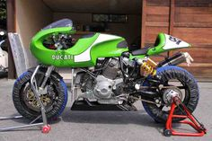『Mh900e 考察』 Ducati Cafe Racer, Cafe Racers, Ducati Sport Classic, Moto Car, Custom Bikes, Concept Cars, Cars And Motorcycles, Motorbikes, Cool Designs