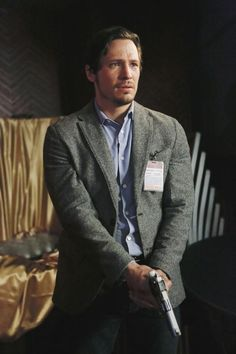 Revenge Season 3 Spoiler: Jack Porter Gives Emily Thorne a Major Ultimatum - Revenge