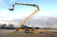This full day course is designed for any worker performing duties as an aerial boomlift operator. Regardless of any previous experience, the law requires that an operator receives theoretical and hands-on training on safe front-end loader operation. In addition, their knowledge and ability to operate an aerial boomlift safely must be evaluated.