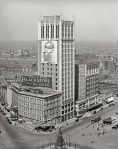 """""""Real Estate Exchange from Dime Bank building."""" An early Detroit skyscraper, known for most of its life as the Cadillac Square Building, around the time it was completed in 1918. 8x10 glass negative, Detroit Publishing Co.  Shorpy Historic Picture Archive ::  high-resolution photo"""