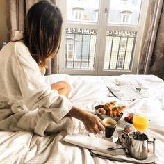 Sonntagmorgen im Bett- Frühstück!