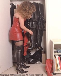Sexy Boots, Cool Boots, Thigh High Boots, High Heel Boots, Botas Sexy, Leather Dresses, Leather Outfits, Stiletto Boots, Dress With Boots