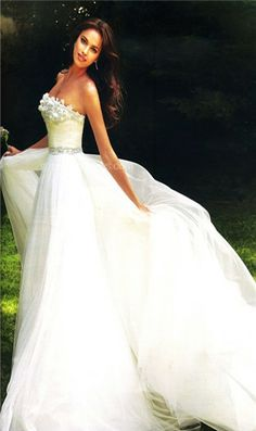 What a beautiful wedding dress!  Maybe one day....if not for me, then for someone else; it's lovely.
