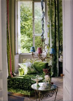 That's how greenery could be incorporated in a stylish interior.