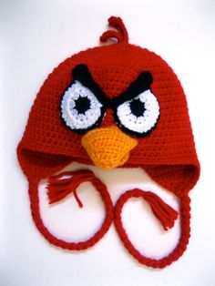 angry birds. My little Quinn would love this. If only I could crochet or knit....see, I don't even know the difference!