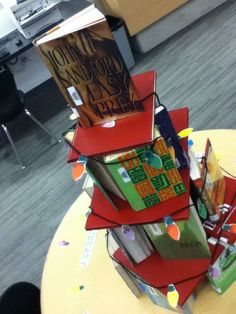 @ballardlibrary check out the new tree of books in the HS library pic.twitter.com/w1BkRn9u