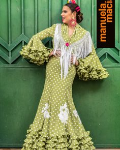 Colección 2019 Manuela Macías Moda Flamenca Flamenco Costume, Flamenco Dresses, Fancy Hats, African Dress, Cover Up, Polka Dots, Sari, Costumes, Dot Dress