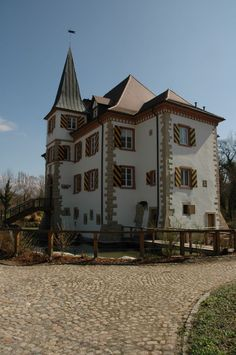 Entenstein Castle (German: Schloss Entenstein) is a medieval castle surrounded by a moat situated in the center of the town of Schliengen. Schliengen is located in the district of Lörrach, Baden-Württemberg, in the very south-west of Germany in the proximity of the Black Forrest.