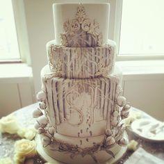 Their amazing winter wonderland cake from Cake Opera