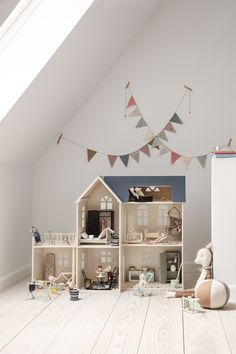 389 curtidas 2 comentários Interior & Scandinavian Decor (Is To Me) no Insta G Nursery Decor, Room Decor, Doll House Plans, Vintage Closet, Selling Furniture, Room Accessories, Kid Spaces, Bedroom Colors, Play Houses