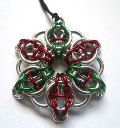 Red and green chainmaille Christmas ornament by #DoBatsEatCats on Etsy. #red #green #Christmas #dteam