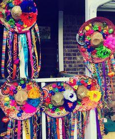 Fiesta sombrero door decor Mexican Birthday Parties, Mexican Fiesta Party, Fiesta Theme Party, 50th Birthday Party, Party Themes, Party Ideas, Mexican Invitations, Cumpleaños Diy, Mexican Christmas