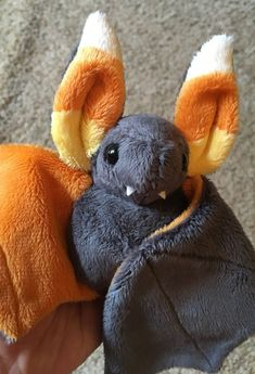 May 18, 2019 - I'm still getting orders for these! (Bat pattern by beezeeart) Sewing Stuffed Animals, Cute Stuffed Animals, Stuffed Animal Patterns, Cute Animals, Sock Animals, Sewing Crafts, Sewing Projects, Sewing Diy, Plushie Patterns
