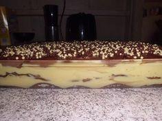 O Pavê de Creme com Biscoito é cremoso, saboroso e perfeito para a sobremesa da sua família. Faça para o final de semana e receba muitos elogios! Veja Tamb