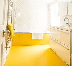 New bathroom ideas yellow walls ideas Yellow Bathroom Decor, Laundry Room Bathroom, New Bathroom Ideas, Yellow Bathrooms, Bathroom Flooring, Rubber Flooring Bathroom, Bedroom Flooring, Rubber Flooring, Yellow Tile