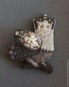 """ The bird siren By Marina-mira"" Textile Jewelry, Textile Art, Brooches Handmade, Handmade Jewelry, Hand Flowers, World Crafts, Animal Fashion, Bohemian Jewelry, Boho"