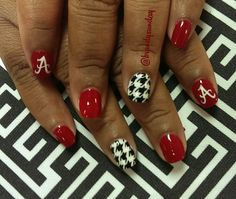 Hand painted Alabama nail art! Houndstooth nail art by Brandy Sunday
