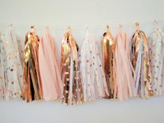 97 Rose Gold Wedding Ideas To Get Inspired 97 Rose Gold Wedding Ideas To Get Inspired Rose Gold Wedding Garland - Rose Gold and Blush tassel garland - Rose Gold Bridal Decoration - Rose gold polkadots Décoration Rose Gold, Rose Gold Theme, Rose Gold Decor, Blush And Gold, Blush Pink, Deco Rose, Bridal Decorations, Birthday Decorations, Blush Bridal Showers