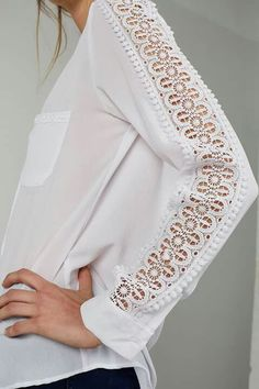 Tremendous Sewing Make Your Own Clothes Ideas. Prodigious Sewing Make Your Own Clothes Ideas. Sleeves Designs For Dresses, Sleeve Designs, Fashion Details, Diy Fashion, Fashion Design, Blouse Styles, Blouse Designs, Sewing Blouses, Mode Top