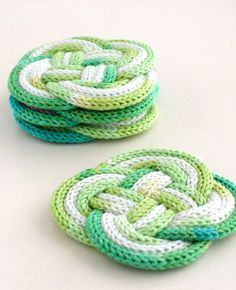 DIY rope coaster with french knitting