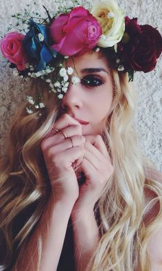 Hair, flowers, hairstyles, coachella hair, coachella 2014, coachella style, spring 2014, summer 2014, hair accessories, DIY, how to