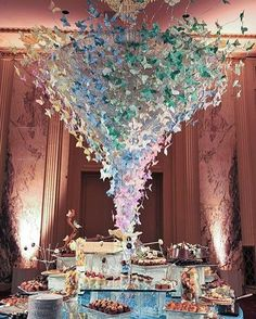 Can you believe these butterflies!? This decadent dessert table makes our sweet dreams take flight #sigh.. Design by @prestonrbailey