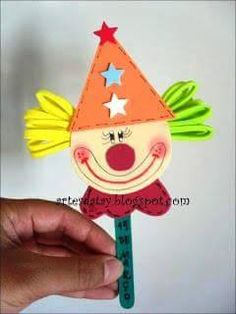 Kids Crafts, Clown Crafts, Circus Crafts, Carnival Crafts, Carnival Themed Party, Foam Crafts, Diy And Crafts, Paper Crafts, Popsicle Stick Crafts