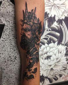 "Blink Studio Tattoo on Instagram: ""#tattoo sfumato black and grey by @androzero . . . #blinkstudio #tattoostyle #tattooartist #tattooart #shadedtattoo #shades #blacktattoo…"" Black Tattoos, Leaf Tattoos, Sleeve Tattoos, Poseidon Tattoo, D Tattoo, Tattoo Artists, Black And Grey, Shades, Studio"