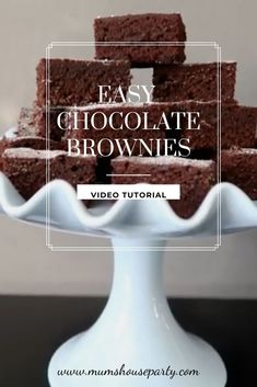 Easy Chocolate brownies in less than 30 mins - video tutorial School Lunch Box, Chocolate Brownies, House Party, Cake Ideas, Treats, Posts, Breakfast, Easy, Desserts