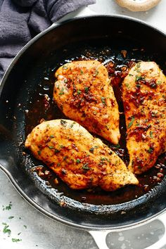 Garlic Butter Baked Chicken Breast that's paleo, low-carb, gluten-free and compliant. Tender and juicy, this easy weeknight dinner dish is packed with flavour from the garlic butter sauce. It's totally a win win! Chicken Skillet Recipes, Healthy Chicken Recipes, Cooking Recipes, Easy Recipes, Cooking Tools, Beef Recipes, Recipies, Juicy Baked Chicken, Baked Chicken Breast