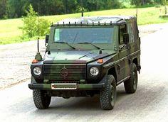 Die Bundeswehr fährt den Militär-Mercedes in verschiedenen Versionen wie etwa mit und ohne Plane, mit Panzerglasscheiben, als Funkfahrzeug oder als Kastenwagen für Sanitäter.