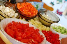 Ciorba de fasole verde (teci) Great Recipes, Salsa, Sweet Tooth, Mexican, Ethnic Recipes, Food, Little Cottages, Green, Essen