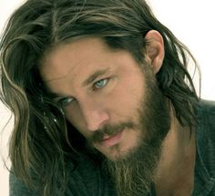 Travis Fimmel..... Those eyes and tousled hair!! Ouch - Damn It!! Chris Hemsworth has got competition!