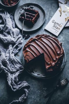 Chocolate cake with chocolate chip mascarpone filling and chocolate fudge frosting