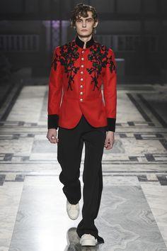 Alexander McQueen Fall 2016 Menswear Collection Photos - Vogue