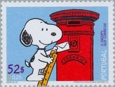 Postage stamp from Portugal. (Have Snoopy, will travel. Snoopy Love, Charlie Brown And Snoopy, Snoopy And Woodstock, Peanuts Cartoon, Peanuts Snoopy, Charles M. Schulz, Snoopy Christmas, Tampons, Stamp Collecting