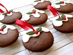 Christmas Pudding Cookies/Biscuits ready to hang on the Christmas Tree ... The recipe is here ... http://ukhandmade.co.uk/content/very-merry-christmas-and-happy-new-year-uk-handmade