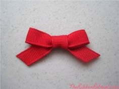How To Make A Little Ribbon Bow - {The Ribbon Retreat Blog}