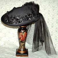 Image detail for -Hat Mourning or Riding Style Victorian Gothic Victorian Hats, Victorian Costume, Victorian Women, Victorian Gothic, Fancy Hats, Cool Hats, 1880s Fashion, Victorian Fashion, Turbans