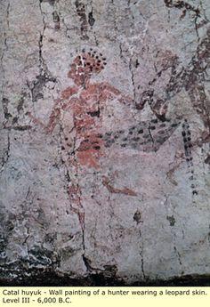 Anatolia: Çatal Hüyük y Gobekli Tepe - El antiguo pueblo negro de Turquía. En Anatolia hay indicios de presencia humana en las cuevas de por lo menos la edad de piedra. también hay pinturas rupestres y grabados de gente y animales en las paredes de las cuevas, como los cerca de Antalya y en otros lugares.