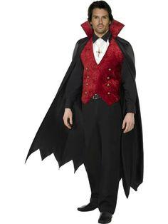 Los hombres lo tenemos bastante claro. Eldisfraz de vampiro o el de Conde Dráculaes uno de los más demandados en Halloween, y en 2015 no va a ser una excepción.