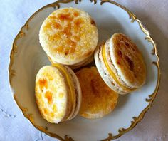 Creme Brulee Macarons!