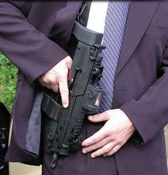 Resultado de imagem para secret service arms suits Heckler & Koch, Arsenal, Military Action Figures, Future Weapons, Cool Guns, Awesome Guns, Tac Gear, Guns And Roses, War Dogs