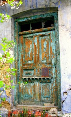 Ogrodzieniec, Zawiercie, Poland, door, decay, entrance, beauty, oldie, aged, green, architechture, photograph, photo